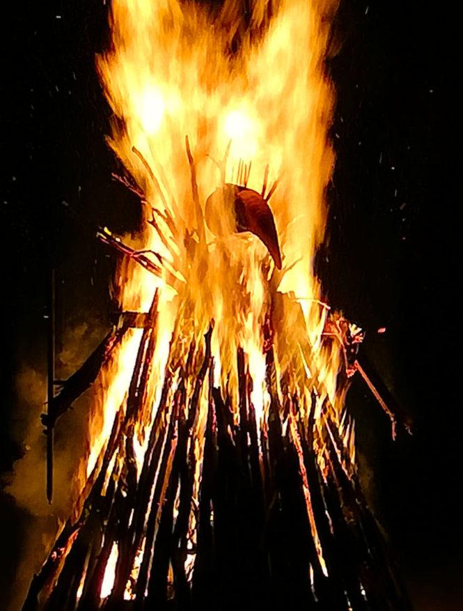 Fire Art - Burning Seed Effigy